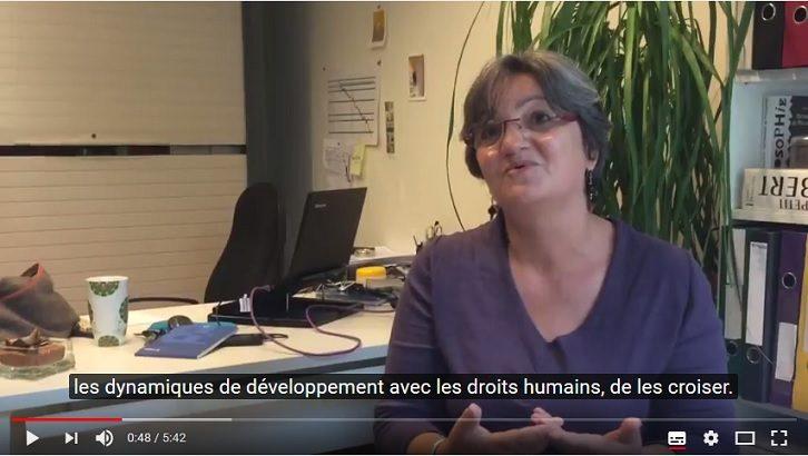 Des formateurs et professionnels terrain parlent de la relation entre développement local et droits humains